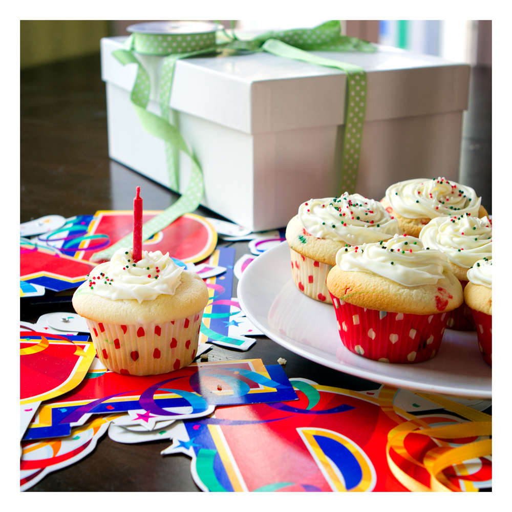Cute Cupcakes For Boys Birthday http://callhimyeschef.com/tag/cupcakes/