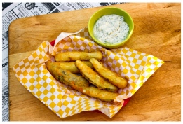 Fried Pickles with Yogurt, dill, Sriracha dipping sauce