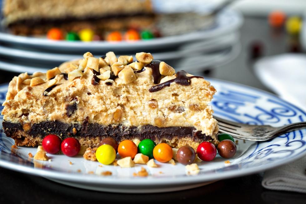 Black Bottom Peanut Butter Mousse Pie
