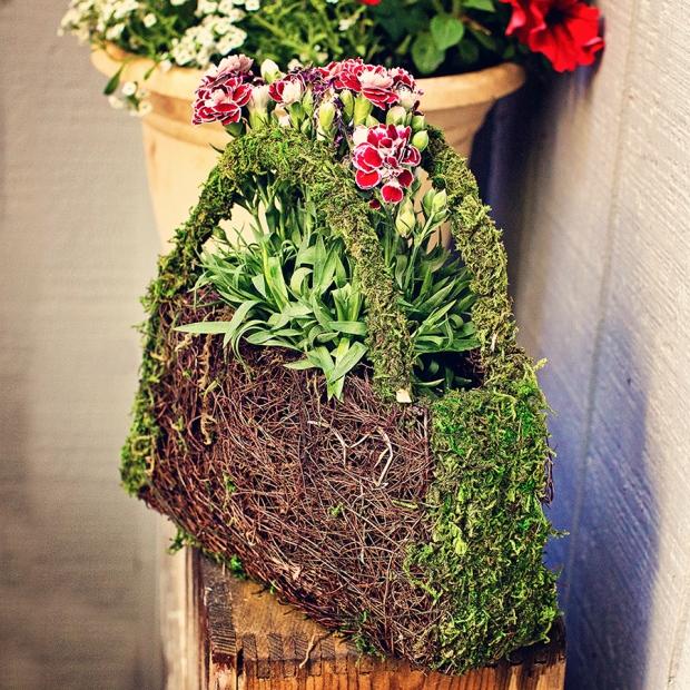 A garden purse